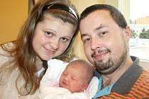 KRISTÝNKA  DOSTÁLOVÁ.  Holčička přišla na svět 6. listopadu v 19.58 hodin v Litomyšlské nemocnici. Sestřičky jí po narození navážily čtyři kilogramy a naměřily 53 centimetrů. Tatínek Aleš byl mamince Veronice u porodu oporou. Všichni budou doma v Litomyšl