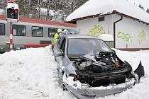 Mezinárodní rychlík se střetl s osobním automobilem na přejezdu.