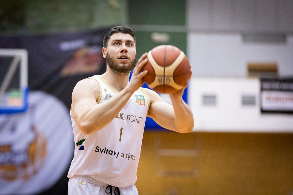 Dekstone Tuři Svitavy vs. BK Armex Děčín (75:82).