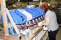 V novém provozu v Jevíčku pracuje na dvou výrobních linkách osmdesát dělníků.