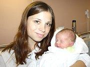 ONDŘEJ BULVA. Chlapec přišel na svět 25. října v 19.28 hodin. Vážil 3,55 kilogramu a měřil 52 centimetrů. Tatínek Ondřej byl mamince Michaele u porodu oporou. Rodina bydlí v Litomyšli.