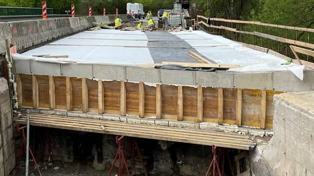 ترمیم پل نزدیک اوپاتوف در منطقه سوویتوی همچنان ادامه دارد.