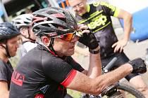 Každý z bikerů zanechal na trase značné množství fyzických sil. Po asfaltu, štěrku, na lesních i polních cestách, na loukách. Po hodně rozmanitých površích se účastníci pohybovali.