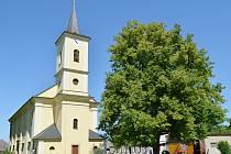 Kostel svatého Václava v Cerekvici nad Loučnou je po letech opět ozdobou obce.