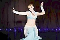 Orientální tance. Tanečnice Maia.