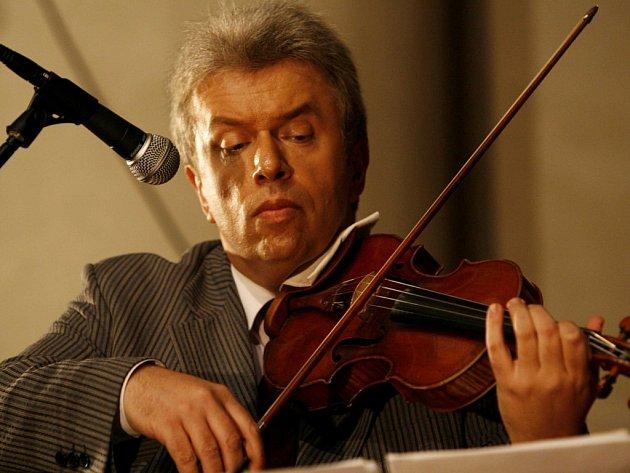 Virtuos Jaroslav Svěcený se rád vrací do Ústí nad Orlicí.