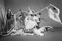 DO PROJEKTU 12 plus 12 se zapojilo dvanáct osobností a Balet Národního divadla, aby přiblížily pocity nemocných.