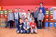 ŽÁCI ZE ZÁKLADNÍ ŠKOLY V OPATOVCI s paní učitelkou Olgou Štilárkovou.