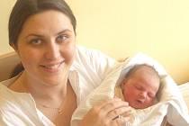 LUCIE STRAKOVÁ. Holčička se narodila  21. února ve 3.25 hodin ve Svitavách. Vážila 3,4 kilogramu a měřila půl metru.  Rodiče Pavel a Marcela  Strakovi bydlí  v  Korouhvi.  Na sestřičku se těšily dvouletá Terezka a   také   Karolína.