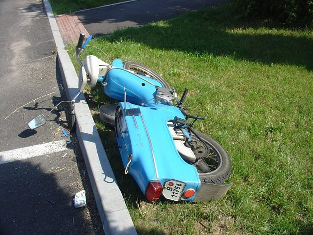 Nehoda motocyklu.