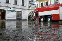 Pás prudkých bouřek s přívalovým deštěm zasáhl 22. července 2009 vpodvečer Litomyšl.
