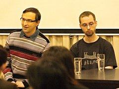 Karel Žák (vlevo) a člen pedofilní komunity.