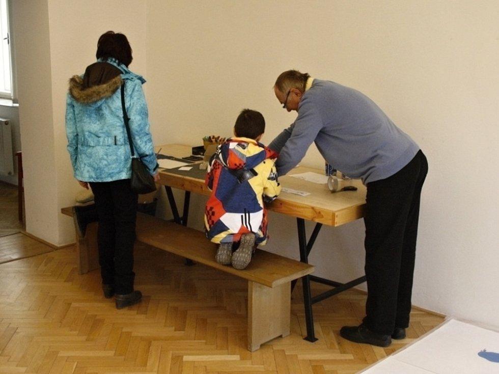 Vernisáž výstavy Jak si postavit knihu