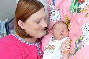 AMÁLIE SRŠŇOVÁ. Narodila se 29. května Zuzaně Fenclové a Janovi Sršňovi z Litomyšle. Vážila 3,45 kilogramu. Má brášku Ráďu.