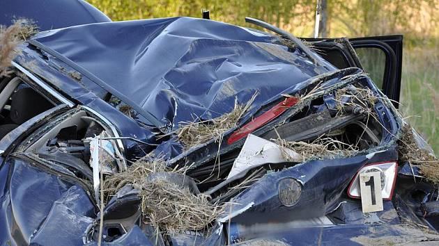 K vážné havárii osobního auta došlo v pátek kolem šestnácté hodiny na silnici I/34 za Poličkou ve směru na Hlinsko, na tzv. Babce.