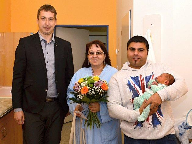 Prvnímu občánkovi Svitav roku 2018 poblahopřál starosta David Šimek.