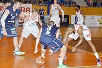 Pevným krokem si svitavští basketbalisté došli pro postup do čtvrtfinále.