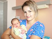 AMÁLIE HARAŠTOVÁ. Spatřila světlo světa 17. října ve 14.17 hodin. Vážila 2,95 kilogramu a měřila 46 centimetrů. S rodiči Sylvou a Lukášem a roční sestřičkou Eliškou bydlí v Poličce.