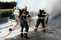 Požár automobilu v Němčicích.