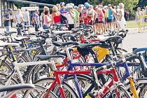 Cyklistický úsek byl tím rozhodujícím v letošním ročníku triatlonu Paperman. V něm se zrodily klíčové rozestupy.