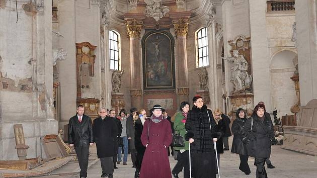 Po dokončení projektu  revitalizace  zámeckého návrší se  veřejnosti  otevře  nově piaristický kostel.