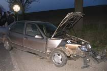 Nehoda na silnici první třídy u Hradce nad Svitavou.