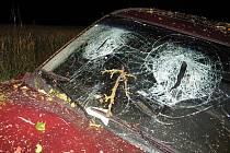 Zranění spolujezdce si vyžádala nehoda vozu Opel Astra.