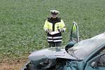 Těžká dopravní nehoda na I/35. Zraněné transportovaly vrtulníky. Přistávaly na polích u Janova.
