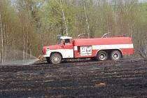 Požáry trávy zaměstnaly v sobotu hasiče; Bělá nad Svitavou.