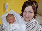 ELIŠKA BOUCNÍKOVÁ. Do Hradce nad Svitavou si Martina s Janem odvezou první dceru. Narodila se 5. listopadu ve 20.10 hodin. Měřila 49 centimetrů a vážila  3,25 kilogramu. Tatínek byl u porodu oporou.