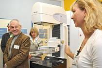 Moderní mamograf za sedm milionů korun je nyní k dispozici ženám na svitavské poliklinice.