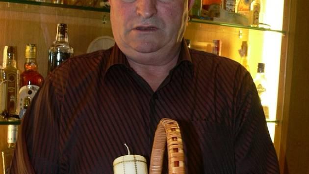 Košík s pochoutkami. Mykola Tyvodar starší vezl koš jídla na pravoslavnou mši do Lanškrouna.