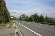 NEPOSTAVILI. V těchto místech jižně od Dětřichova měla stát dálniční křižovatka.