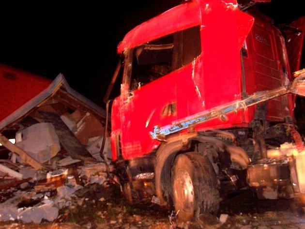 Nehoda kamionu v Březové nad Svitavou.