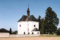 Kostel svaté Anny v Pusté Kamenici.