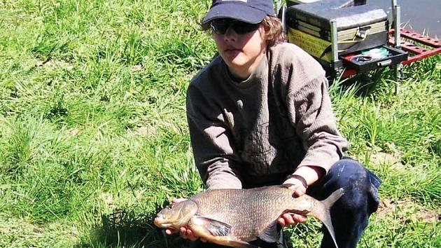 Patnáctiletý rybář ze Svitav Patrik Netolický ze Svitav, člen Rybářského sportovního klubu Pardubice,se zúčastnil mistrovství světa kadetů a juniorů v lovu ryb udicí na plavanou.
