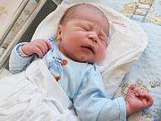 FRANTIŠEK ŽENÍŠEK. Ve svitavské porodnici se Ladě a Jiřímu 2. července v 9.08 hodin narodil první syn. Měřil 53 centimetrů a vážil 3,75 kilogramu. Vyrůstat bude v Jevíčku.