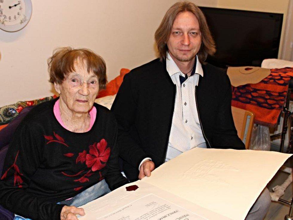 Pětadevadesátiletá Jarmila Halbrštátová-Kaplanová je čestnou občankou Moravské Třebové.