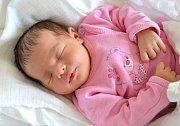 ANNA PLEVÁKOVÁ. Narodila se 10. května Šárce Krulišové a Milanu Plevákovi z Kamence u Poličky. Měřila 49 centimetrů a vážila 3,25 kilogramu. Má sestřičku Veroniku.