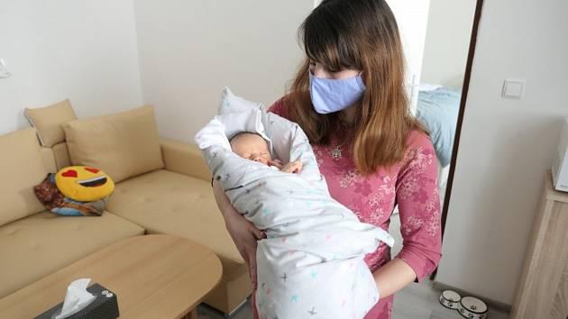 والری اولین نوزاد امسال در سوویتوی است