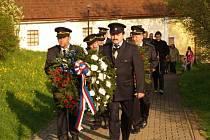 V Bohuňově obnovili tradici, uctili památku padlých ve válce