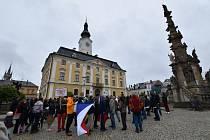 Necelé dvě stovky obyvatel se zúčastnily v úterý v Poličce shromáždění na podporu justice a požadavků spolku Milion chvilek.