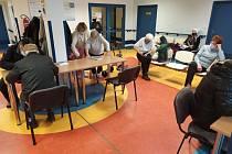 V Litomyšli očkují seniory v neurologické ambulanci
