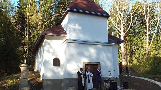 Zanedbávaná muzlovská kaple je konečně opravená.