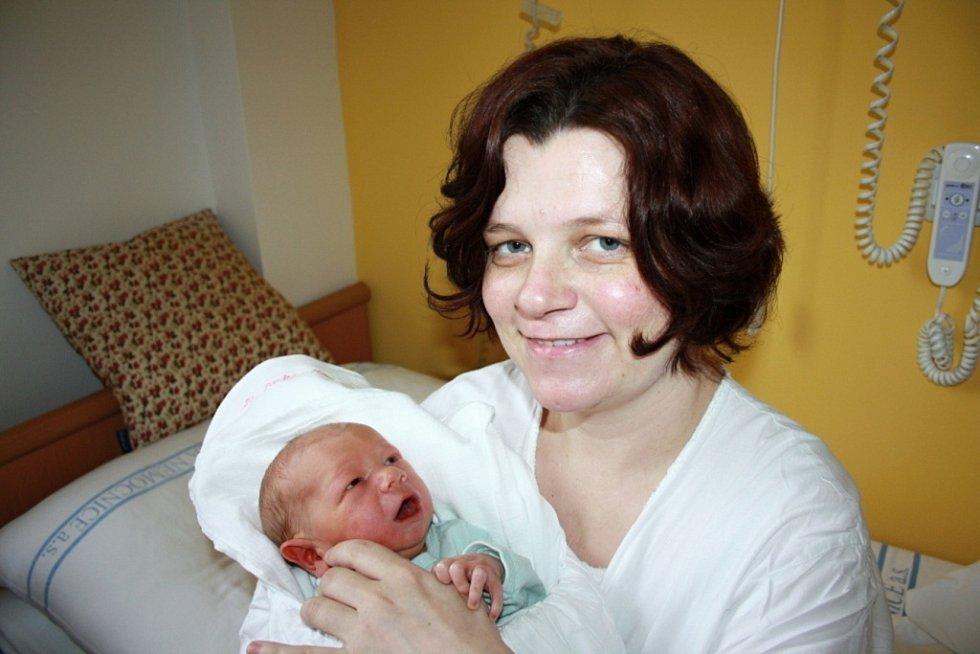 MILAN BOUČEK. Chlapeček se rodičům Pavle a Milanovi narodil 9. prosince. Vážil 3,5 kilogramu a měřil 52 centimetrů. Doma bude ve Svitavách, kde už se na něj těší sourozenci Eliška, Vojta a Barunka.