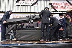 O putovní pohár VŘSR – Memoriál V. I. Lenina v Širokém Dole.