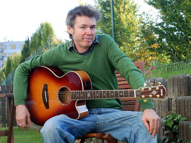 Jamison Young zahrál v Litomyšli.