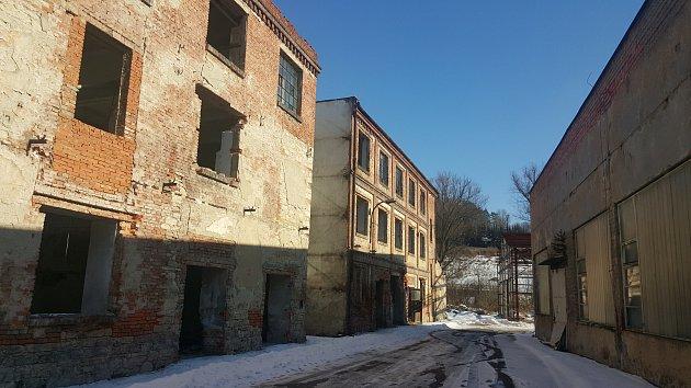 Chátrající areál bývalé Schindlerovy továrny čekají změny. Měl by zde vzniknout památník holokaustu