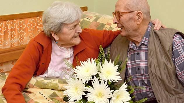 Manželé Zemanovi slaví 74.výročí od svého sňatku