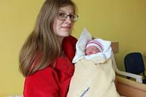 NELA MATUŠKOVÁ se narodila 8. května v 0.38 hodin. Vážila 2,8 kilogramu a měřila 47 centimetrů.S rodiči Janou Malou a Michalem  Matuškou bude bydlet v Lanškrouně. Foto: Pavlína Horáčková